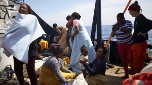 Flüchtlinge von deutschem Rettungsschiff dürfen in Malta an Land