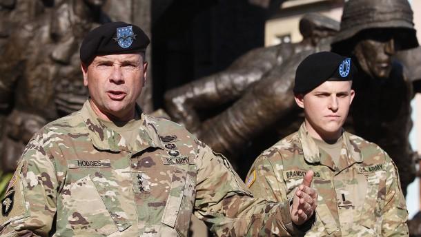 """Amerikanischer General Hodges: """"Beurteilen Sie uns nicht nach dem, was der Präsident twittert"""""""