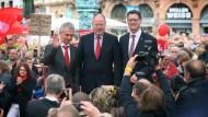 Personalentscheidungen: Die CDU muss, anders als 2013, den Wahlkampf ohne Kanzlerin absolvieren. Die SPD dagegen hat den Spitzenmann verpflichtet – er heißt nun Schulz und nicht Steinbrück.