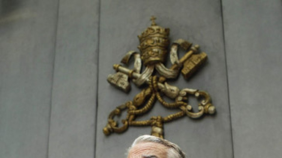 Vatikansprecher Federico Lombardi bei einer Pressekonferenz zu den veränderten Gesetzen