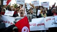 Vertrackter Fall Sami A.: Tunesier demonstrieren Ende 2016 in Tunis gegen die Rückkehr von Dschihadisten ins Land.