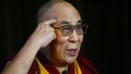 Dalai Lama will als attraktive Frau wiedergeboren werden