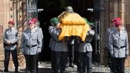 Trauerfeier für die in Mali bei einem Hubschrauberabsturz ums Leben gekommenen Soldaten