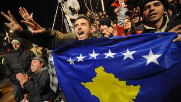 Rice verkündet Anerkennung des Kosovo