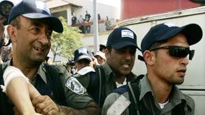 Scharon: Greift mich an, nicht die Soldaten