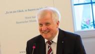 Das Glück, Horst Seehofer zu sein: der bayerische Ministerpräsident bei einer Kabinettssitzung im oberfränkischen Kulmbach