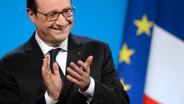 Hollande beliebt wie lange nicht mehr