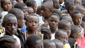 Westafrikanische Staatschefs stellen Taylor Ultimatum