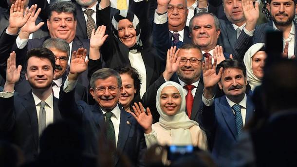 Zwei Parteigründer bringen Erdogan in Bedrängnis