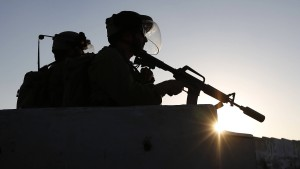 Armee tötet vier bewaffnete Palästinenser an Gaza-Grenze