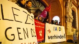 Mehrheit der Bundesbürger wertet Rücktrittsankündigung Kemmerichs als positiv