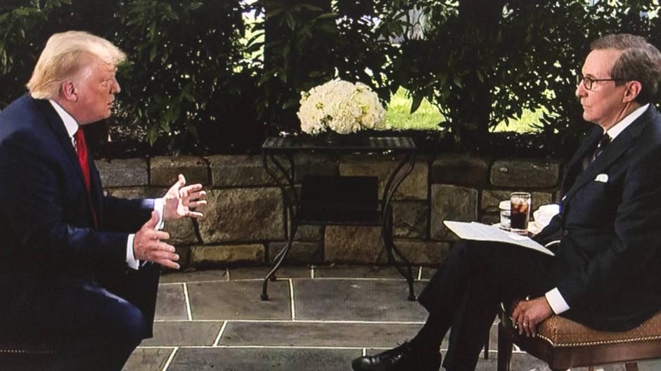 Trump gerät bei TV-Interview ins Schwitzen