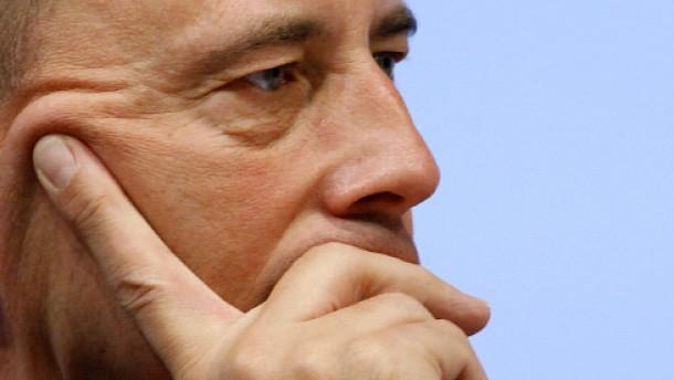 "Der unstete ""Teflon-Minister"""