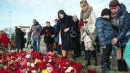 Trauer in Sotchi um die Opfer des Flugzeugabsturzes über dem Schwarzen Meer.