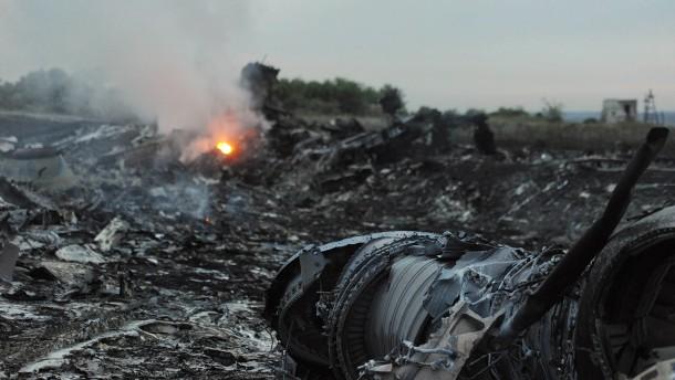 Fast 1000 Tote im Luftverkehr