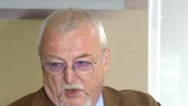PDS-Spitzenkandidat Porsch als Hochschullehrer gekündigt