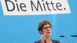 """CDU-Generalsekretärin will """"Pakt"""" zur Steuerung der Einwanderung"""
