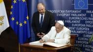Papst, Europäer und Weltmann