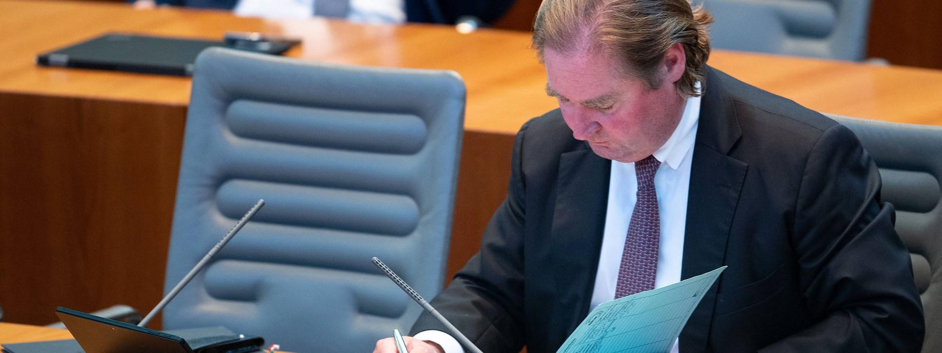 Nordrhein-Westfalen hat Schulden, die es offiziell nicht hat
