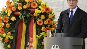 Guttenberg weist Kritik an Widerstand zurück