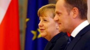 Merkel droht Moskau mit weiteren Sanktionen