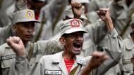 """Aufmarsch der """"Bolivarischen Nationalen Miliz"""" in Caracas"""