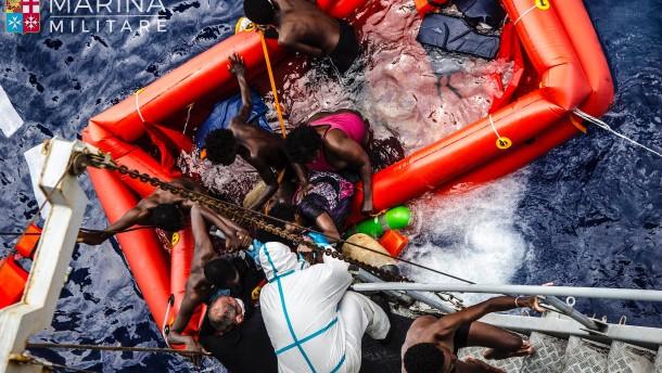 Weniger Flüchtlinge in Italien als im Vorjahr