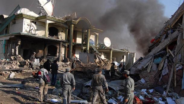 Dutzende Tote bei Bombenanschlägen