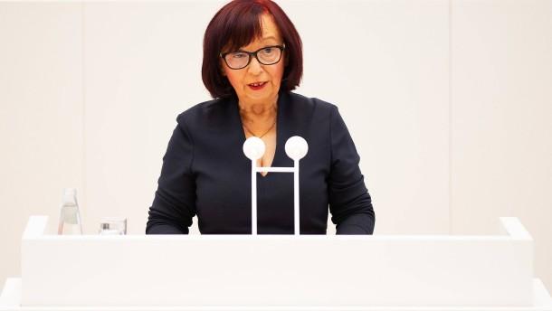Tumult wegen der AfD-Alterspräsidentin