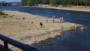 Ausgetrocknete Elbe fördert Granaten und Minen zutage