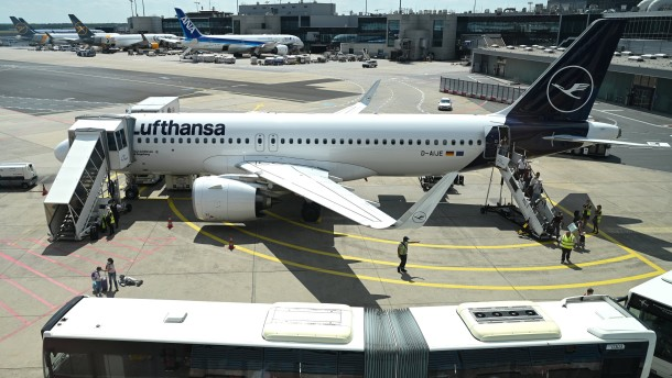 Lufthansa macht fast eine Milliarde Verlust – und erholt sich