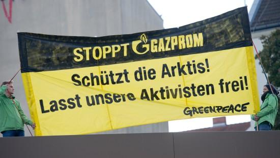 Greenpeace-Aktivisten der Piraterie angeklagt