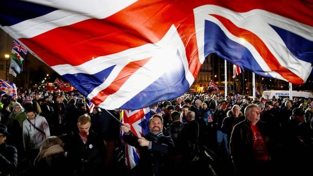 Ein Brexit-Bier auf den Sieg der Demokratie