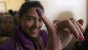 Großer Andrang vor Wahllokalen