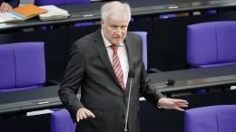 Seehofer verteidigt Aufnahme von Flüchtlingen: Anders als 2015