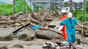 Taifun Neoguri reißt mindestens sieben Menschen in den Tod