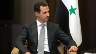 """""""Morgen der Standhaftigkeit"""", twittert der Präsident Baschar al Assad, der den Militärschlag Trumps nahezu unverletzt überstanden hat."""