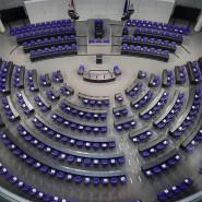 Um eine weitere Vergrößerung des Bundestages zu vermeiden, haben die Regierungsparteien Änderungen am Zuteilungsmodus der Sitze beschlossen