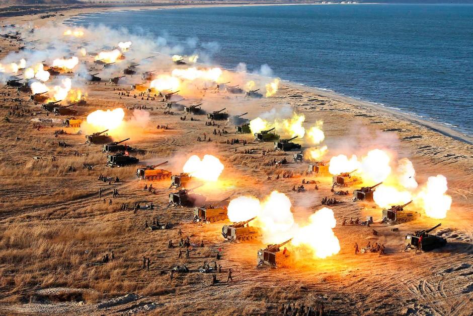 Nordkoreanische Artillerie im Manöver, auf einem Foto der Nachrichtenagentur KCNA