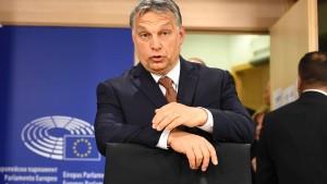 Europas Konservative weisen Orbán zurecht