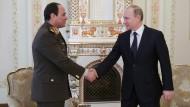 Erste Auslandsreise nach dem Putsch: Al Sisi besucht Putin in Moskau