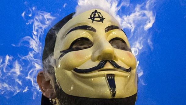 Anonymous hackt den Ku-Klux-Klan