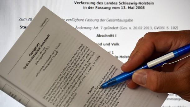 Gottesbezug in Schleswig-Holstein scheitert an einer Stimme