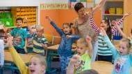 Wie syrische Flüchtlinge eine Schule in Ostdeutschland retteten