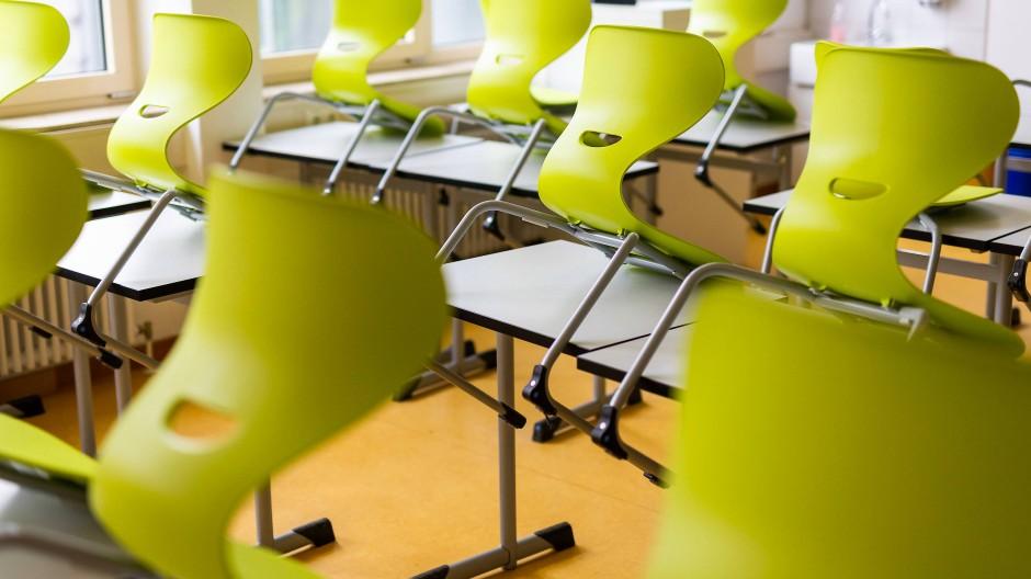 Niemand da: Klassenzimmer einer Realschule in Heitersheim, Baden-Württemberg