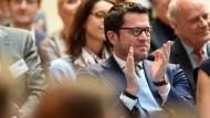 """Karl-Theodor zu Guttenberg, einst Politiker, jetzt Vorsitzender von Spitzberg Partners, auf der F.A.Z.-Konferenz """"Denke ich an Deutschland"""" in Berlin"""