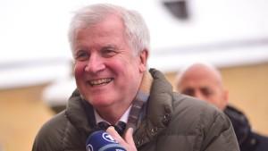 Seehofer gibt 40 Prozent als Ziel der Union für Bundestagswahl aus