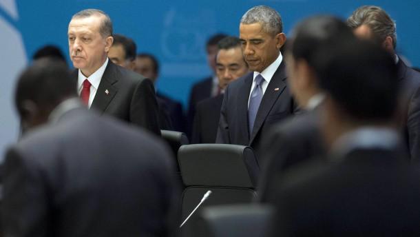 Frankreich und Amerika wollen Luftangriffe ausweiten