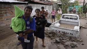 Über 120 Hurrikan-Tote in El Salvador
