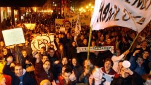 Hunderttausende fordern Rücktritt der Regierung